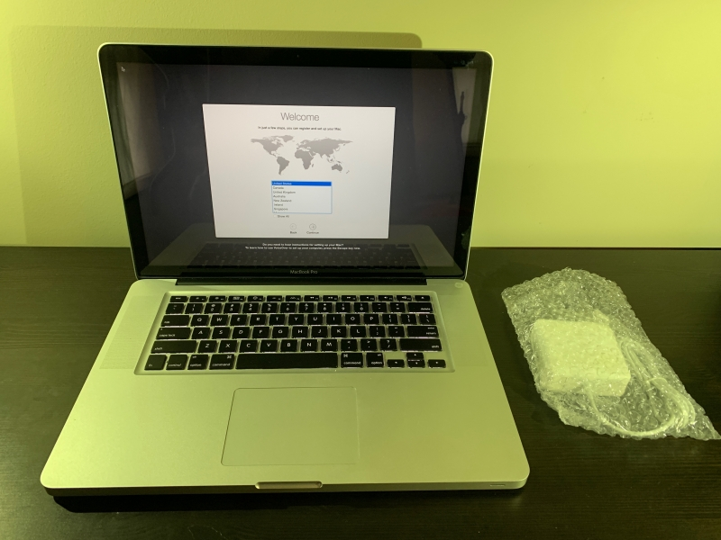 "MacBook Pro 15"" Mid-2009 2.66GHZ Core 2 Duo 4GB 320GB MB985LL/A"